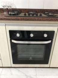 Vendo forno Electrolux de embutir OE60M