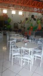 Mesa redonda com 6 cadeiras, semi nova, bom estado de conservação.