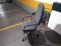 Título do anúncio: Vendo 2 cadeiras pelo preço de uma