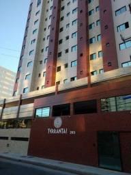 Vendo excelente apartamento quarto e sala totalmente mobiliado com 39m² a 200m da praia