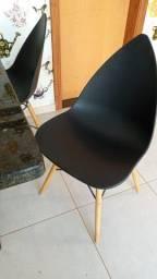 Título do anúncio: Jogo de 4 Cadeiras Eames