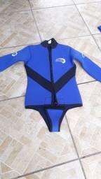 Roupa de mergulho feminina