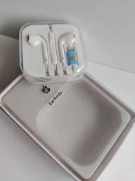 Apple EarPods com conector Lightning - Branco