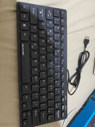 Mini teclado Multilaser 28cm