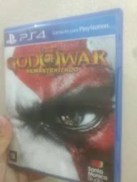 Troco esses jogos god of war 3 remasterizado e pes 16 ps4