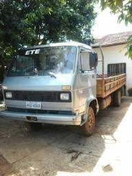 Caminhão Volkswagem 7110 - 1990