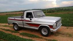 Ford F1000 - 1984
