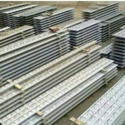 Laje Treliçada  e concreto usinado e sarrafiado