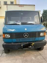 Vendo caminhão Mercedes 710