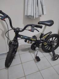 Bicicleta infantil do Batman