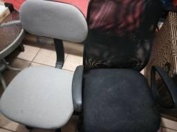 Duas Cadeiras de escritório usadas