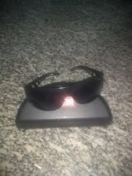 vendo oculos de sol da marca diesel novinho
