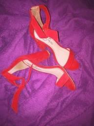 Título do anúncio: Sandálias e sapatos novos.