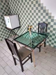 Título do anúncio: Mesa em rattan semi nova c/ 2 cadeiras