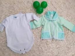 Lindas roupas de criança