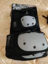 Conjunto NOVO de protetores para patinação - bicicleta e skate