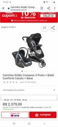carrinho de bebê com bebê  conforto  e Moisés