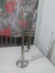 Vendo um trompete