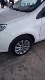 Grand Siena 2014 1.4 completo R30.000 - 2014