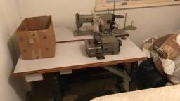 Máquina Costura Overlock e Reta