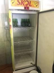 Cervejeira não congela top tudo funcionando apenas 1200 reais aceito negócios