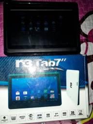 Tablet bem conservado com nota e caixa