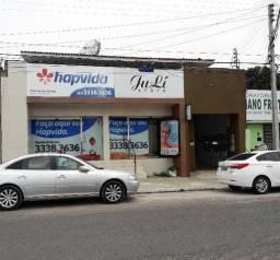 Prédio comercial com 18 salas comerciais