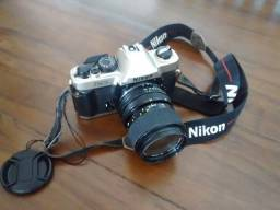 Máquina fotográfica analógica Nikon
