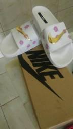 Sandália da Nike R$30,00