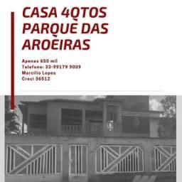 Casa com 4 quartos no bairro Parque das Aroeiras