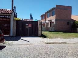Casa em Xangrila 02 quartos com piscina acomoda 09 pessoas