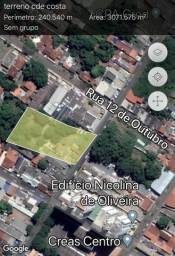 Área 3.050 m2 no centro terreno