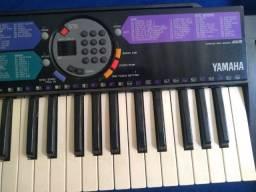 Teclado Yamaha PSR 77