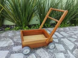 Carrinho de mão andador Montessori madeira