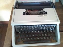 Máquina Olivetti Dora