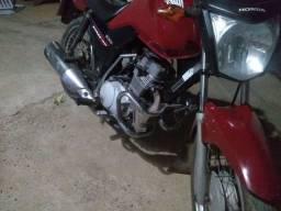 Uma moto  2015