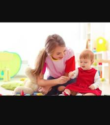 Babá contrata serviço de babá