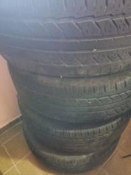 Título do anúncio: Pneus 265 70 16 com rodas