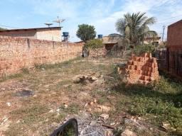 Título do anúncio: Terreno no bairro socialista ao lado do café Japurá