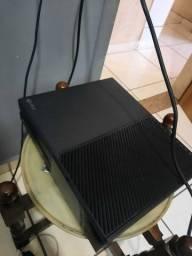 Xbox one 2 jogos e com caixa