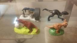 Vendo lote de dinossauros  ! Em ótimo estado