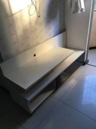 Rack branco com preto, plateleira de vidro