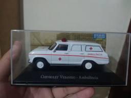 Miniatura veraneio ambulância