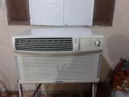 Vendo ou troco Ar condicionado de cx. 18.000 btus