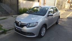 Título do anúncio: Renault Logan Completo 1.6 - Troca e Financia!!!