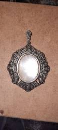 Medalhão de prata com marcassita e madrepérola