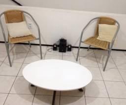 Cadeiras e mesa de centro!