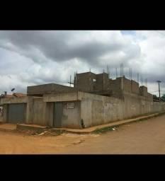 Vende-se está casa ainda em construção com 260 metros quadrados