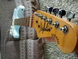 Guitarra Dolphi decada de 80