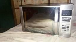 Vendo forno microondas espelho Electrolux 31 litros